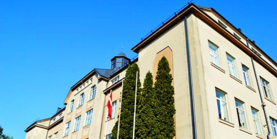 Bauska school discovers historical stairs during repairs