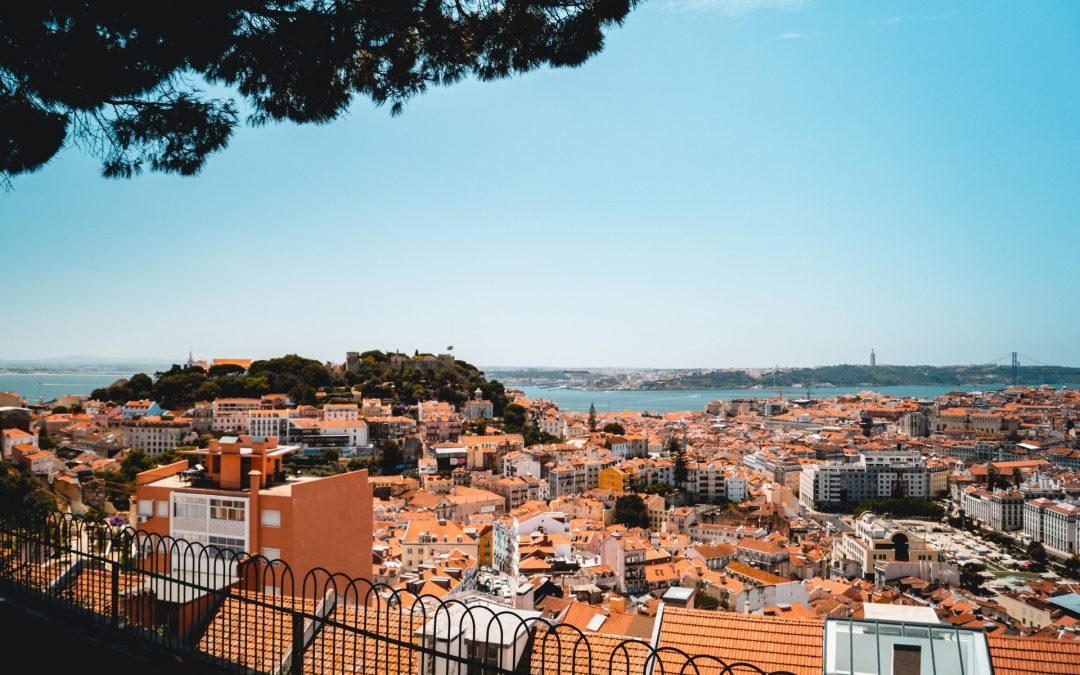 Lisbon to turn tourist flats into homes