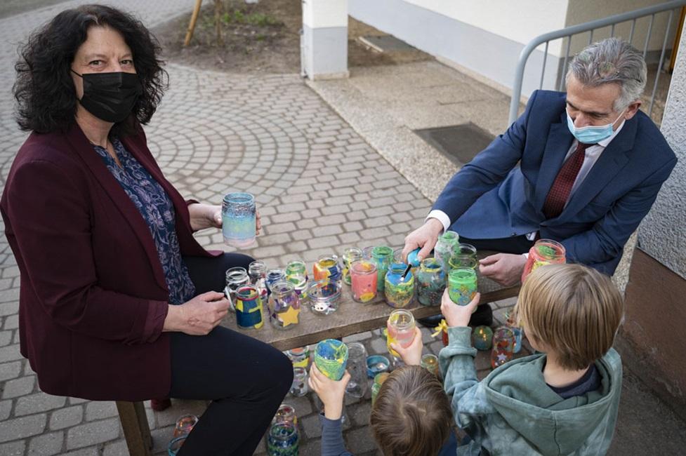"""Lord Mayor Feldmann: """"Thank you, dear children"""""""