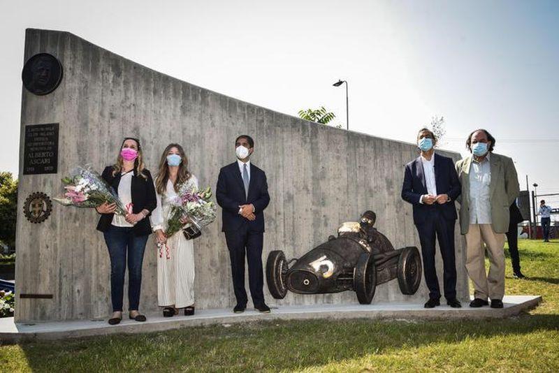 Mayor Sala unveiled a monument dedicated to Alberto Ascari