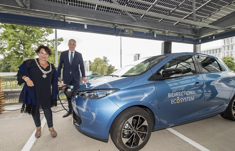 Utrecht: mayor Dijksma opened the world's largest charging car park at a.s.r.